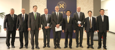 Director General of the Hungarian National Assembly Visits NARS